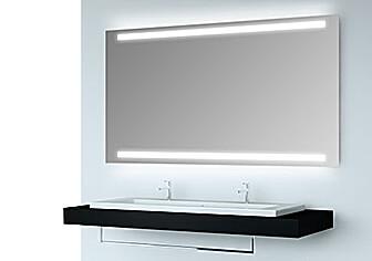 Badspiegel mit Lichtposition oben und unten
